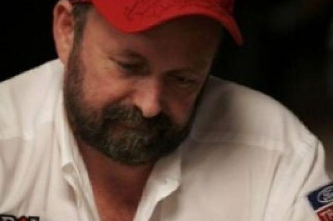 2008 WSOP Main Event, $10,000 NLHE, Dia 7: Dennis Philips Mantém Liderança Para a Final de... 0001
