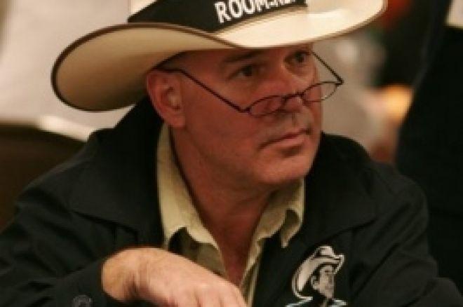 Hoyt Corkins s'est fait dérober ses 2 bracelets WSOP 0001