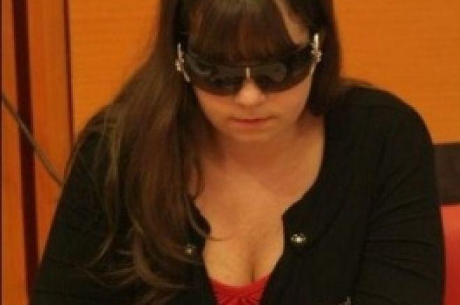 Annette Obrestad i ledelsen etter dag 1a i Ungarn 0001