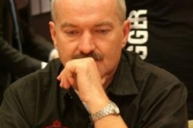 Венгр Золтан Тот выходит чиплидером на финальный стол этапа EPT в Будапеште 0001