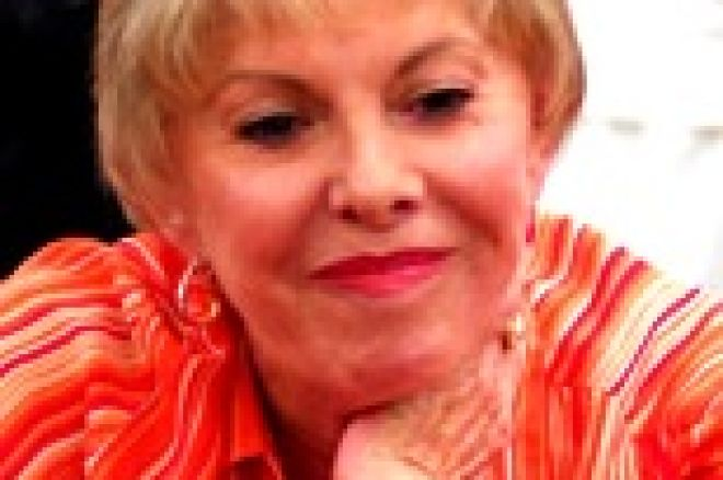Perfil de la madrina costarricense del poker: María Stern. 0001
