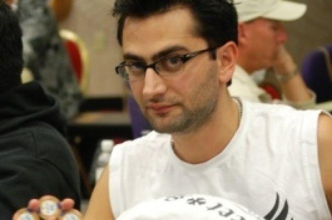 LAPC2009 데이 2, Antonio Esfandiari가 칩 리더에게 0001