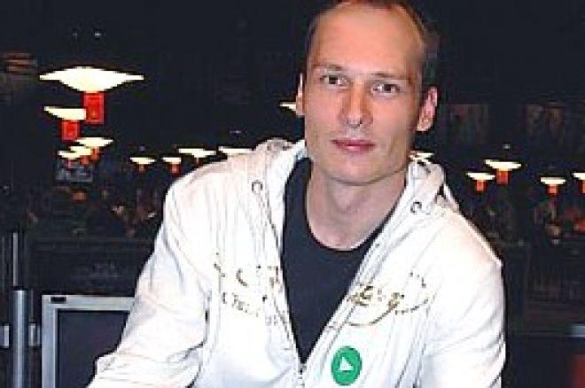 2009 WSOP: Ville Wahlbeck voittaa WSOP-rannekkeen ensimmäisenä suomalaisena 0001