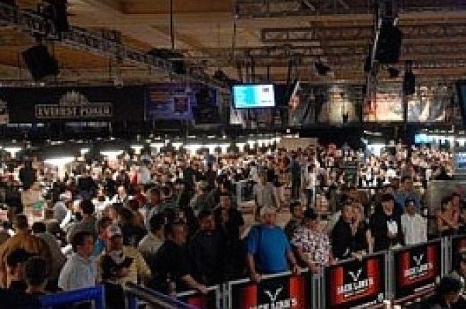 2009 WSOP: Päivä 1d loppuunmyyty, sadat pelaajat ulkona päätapahtumasta 0001