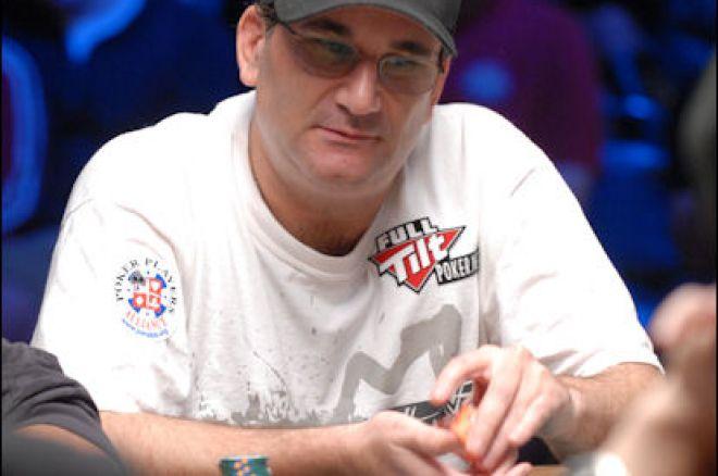 Mike Matusow нарича Caesars Cup фарс в TwitVid клип на Phil Hellmuth 0001