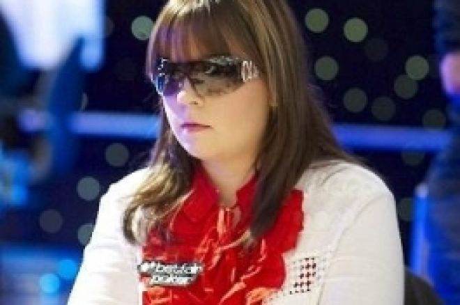 Извън казиното с Annette Obrestad 0001