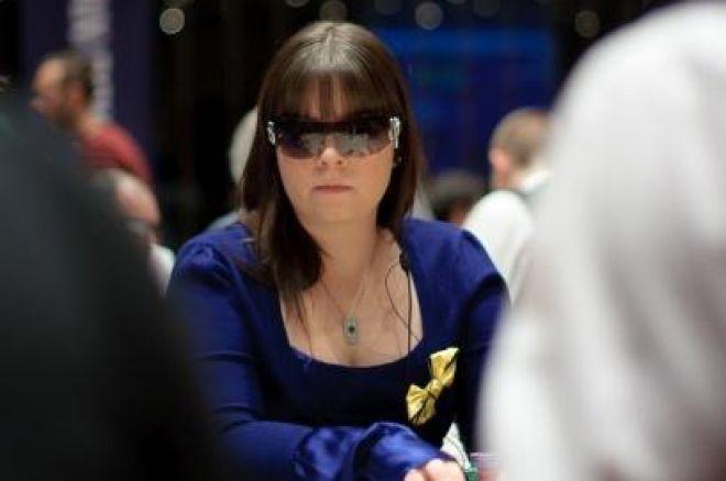 Annette Obrestad Signs With Full Tilt Poker 0001