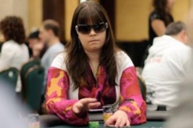 Pokernews.com video intervju med Annette Obrestad etter sin første penge plasseringen. 0001