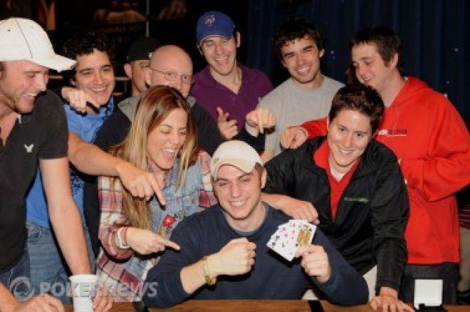 """WSOP 2010 Den 15: David """"Bakes"""" Baker a Eric Buchman získali náramky 0001"""