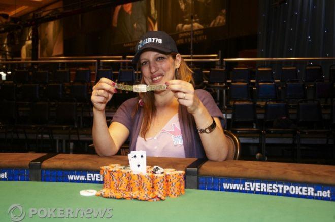 Campioana $1.000 Ladies` Event şi la finalul zilei 1B $1,000 No-Limit Hold'em 0001