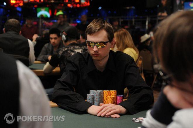 WSOP 2010 Den 24: Martin Kabrhel má pátý největší stack v Eventu #38 0001