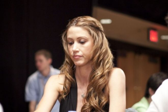The Nightly Turbo: Shannon Elizabeth Signs with Carbon, Williams and Selbst Now PokerStars... 0001