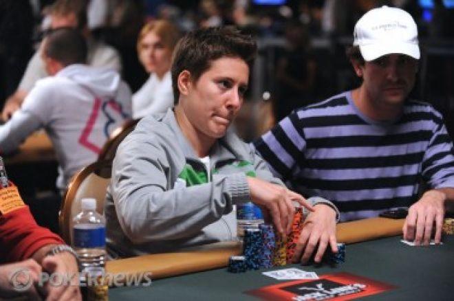 2010 World Series of Poker, Día 43: Assouline delante & Collopy y Selbst cerca 0001