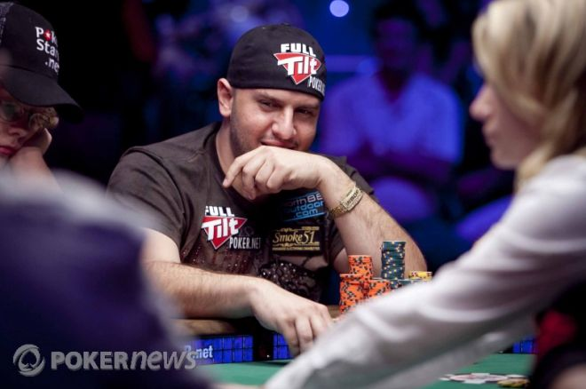 2010 World Series of Poker: Michael Mizrachi Takes Main Event Chip Lead 0001