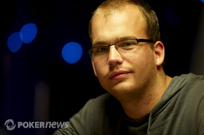 The Nightly Turbo: 2010 World Series of Poker on ESPN, Demspey Turns Red, and More 0001
