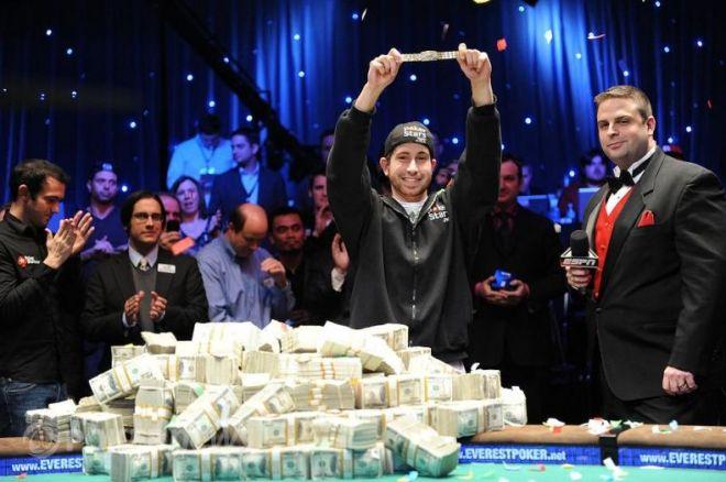Vítězem 2010 WSOP Main Eventu je Jonathan Duhamel 0001