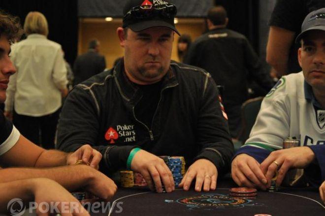 2011 PCA Main Event: Moneymaker stále v popředí 0001