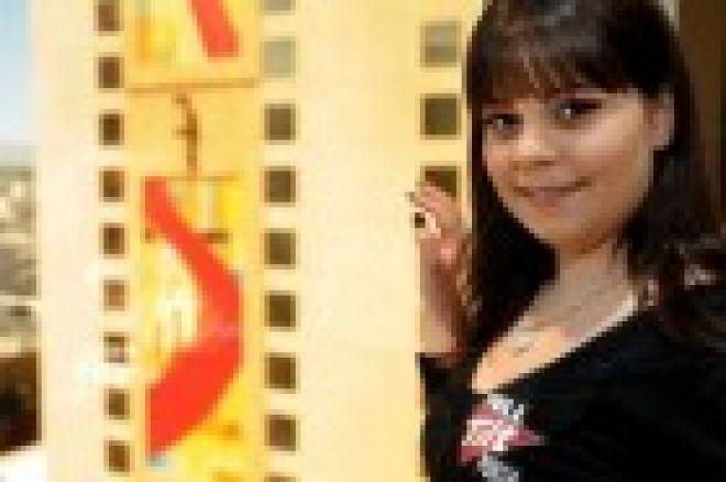 Annette Obrestad vinner Gullhanda for 2010 - Den eneste som har vunnet denne 2 ganger. 0001