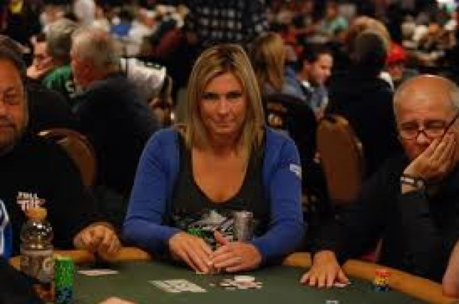 Full Tilt Red Pro ficha a la mejor jugadora australiana de poker 0001