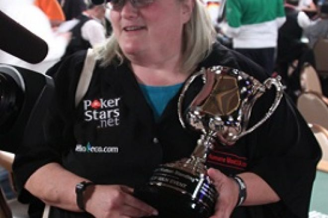 WSOP 2010: Breeze Zuckerman je primila trofej Last Woman Standing 0001