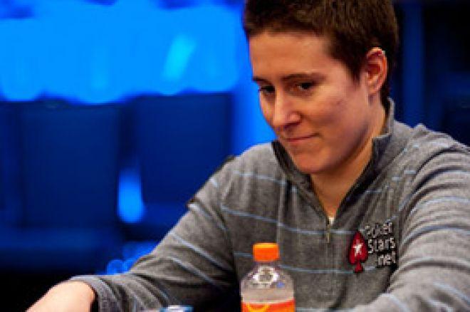 2010双冠王Vanessa Selbst迎来2011第一响 0001