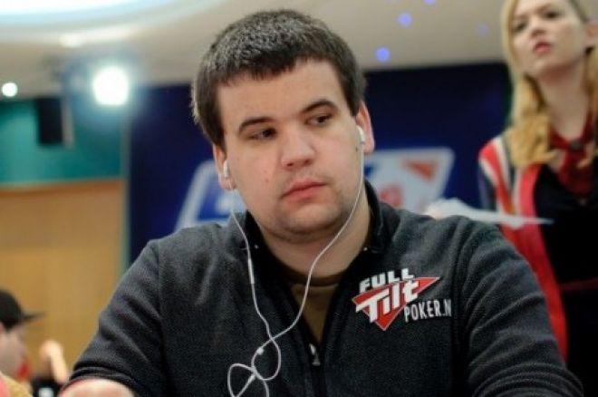 Christian Harder elemzi egy handjét a WPT Championshipen 0001