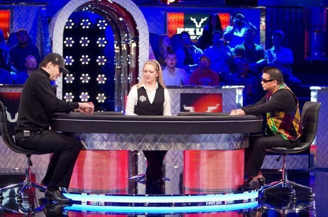 2011 World Series of Poker 3. nap: Chan visszavágott, Farha nem 0001