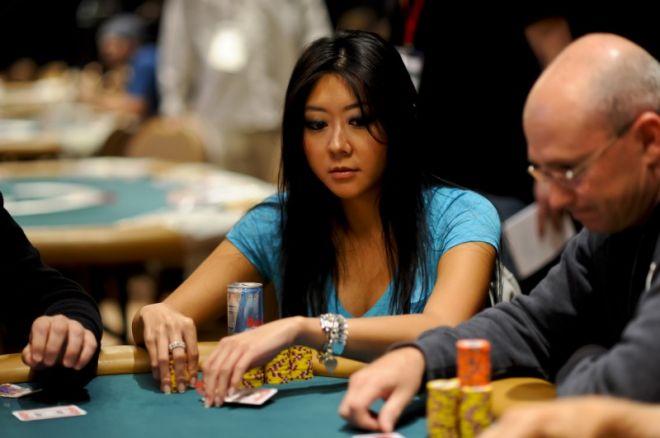 Maria Ho se blíží ke svému prvnímu WSOP náramku 0001