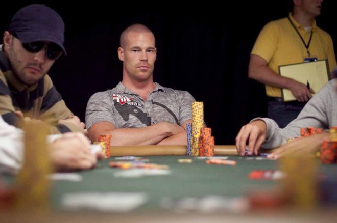 Pět nejvíce sexy hráčů pokeru 0001