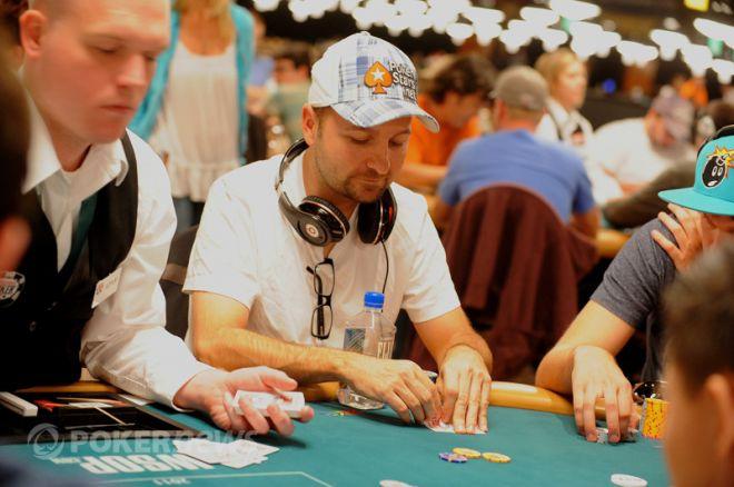 Даниел Негреану в преследване на трета гривна от Limit Holdem турнир 0001
