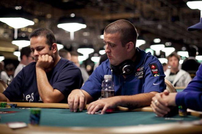 WSOP 2011: Resumo Diário - André Akkari no Dia 2 do Evento #43 0001