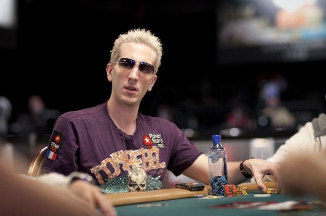 """WSOP 2011: Andre Akkari má bracelet, """"ElkY"""" oň bojuje 0001"""