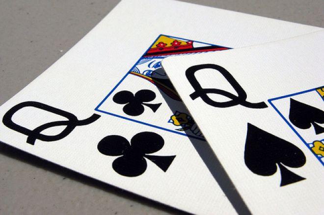 Анализ на покер ръка: Трудно плащане с дами преди... 0001