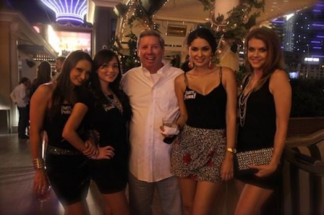 Mike Sexton i Royal Flush Girls