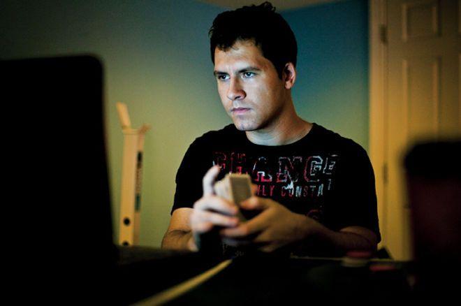 Daniel Cates árulja a Full Tilt Pokeren lévő, 6 millió dolláros accountját 0001