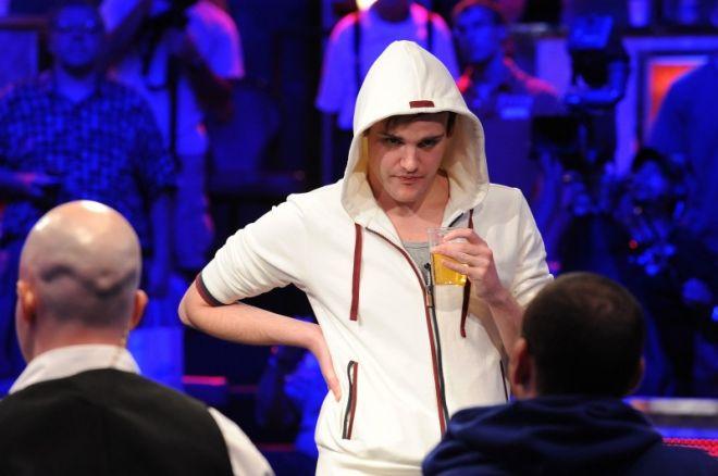 2011 November Niner posílí řady Team PokerStars Pro 0001