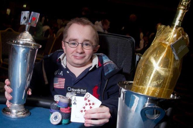 NM 2012: Rud Iversen vant Heads-Up - 70 spillere igjen til dag 3 Main Event. 0001