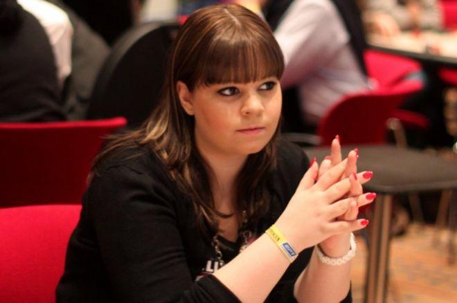 Annette Obrestad signerer sponsoravtale med Lock Poker 0001
