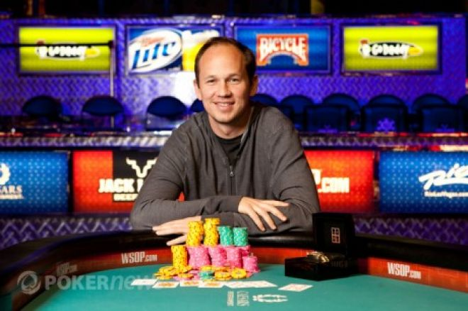 World Series of Poker 2012 Dzień 10: John Monnette wygrał drugą bransoletkę 0001