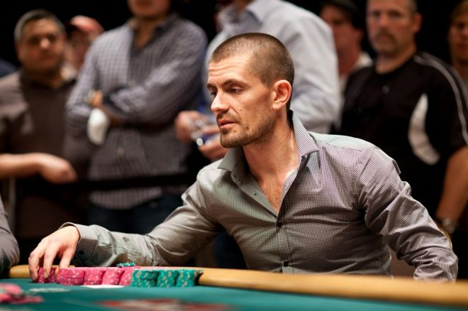 Gus Hansen vant $1 000 000 satellitten til One Drop 0001