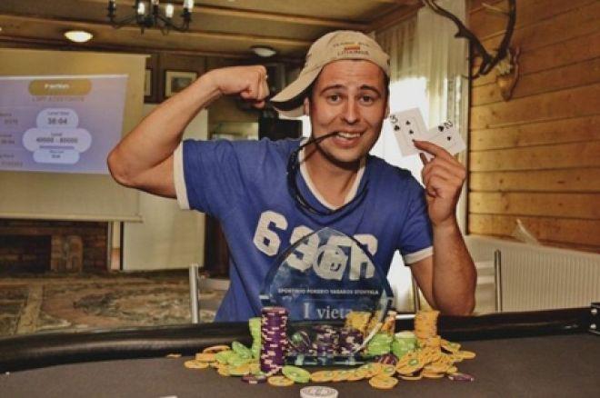 2012m. LSPF vasaros pokerio stovykloje nugalėtojo taurę iškovojo Martynas Tamoševičius 0001
