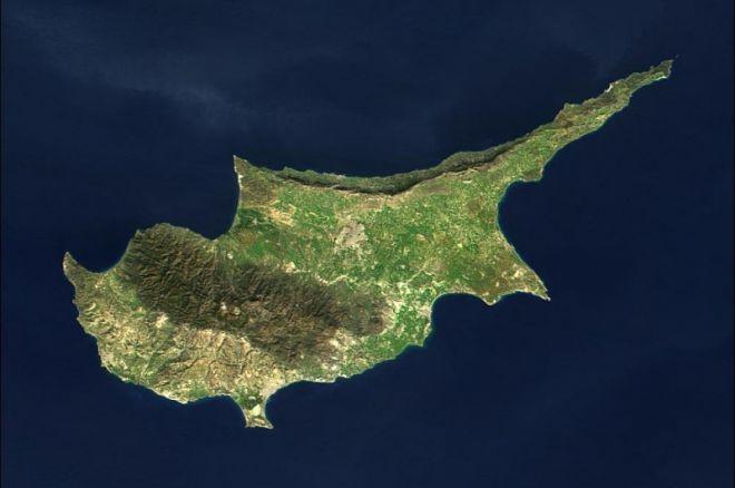 Blicas: Kipras uždraudžia internetinį pokerį, WSOP žaidimas telefone ir kita 0001
