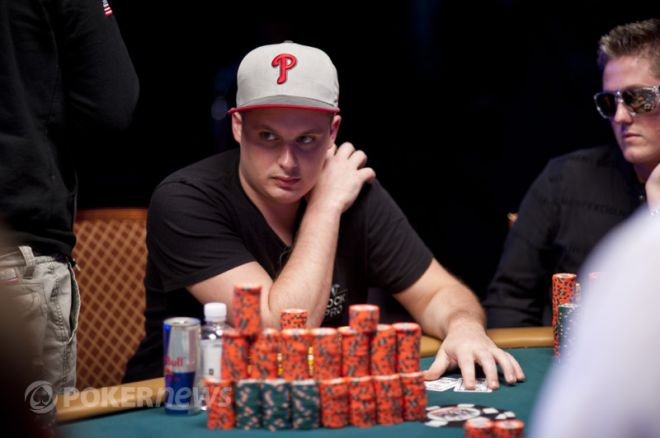 WSOP 2012 Day 4: Паул Волпи - текущий чиплидер турнира 0001