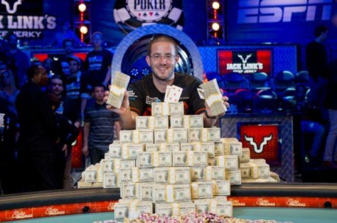 Top 10 příběhů roku 2012: #5a, Greg Merson vyhrává hlavní turnaj WSOP a cenu POY 0001