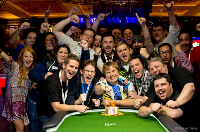 2013 World Series of Poker Day 2: PokerNews' Chad Holloway Wins Bracelet in Event #1! 0001