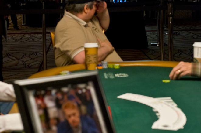 "Kobe Bryant sako ""Shuffle Up and Deal"" WSOP $2,500 Stud turnyrui 0001"