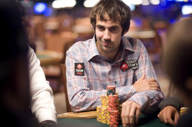 Jason Mercier turi realų šansą pakovoti dėl trečiojo WSOP titulo 0001
