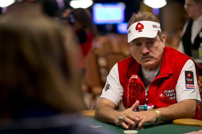 Excentricidades de los jugadores de poker en la mesa de torneos 0001