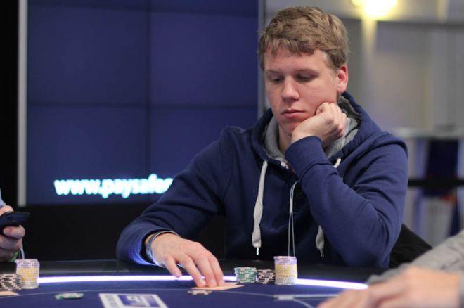 WSOP Event #56: Rens Fenstra als tweede in chips naar Dag 2, De Goede ook door