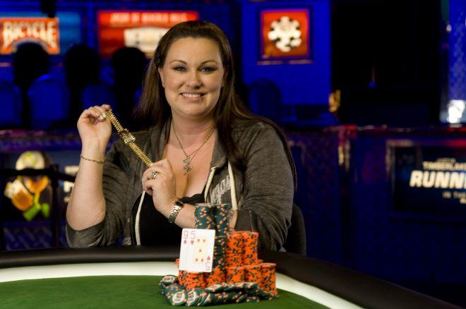 Dana Castaneda é a Primeira Mulher a Vencer um Evento Regular das World Series of Poker de... 0001